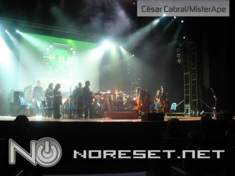 Além da orquestra, luzes e performances artisticas estão presentes no VGL