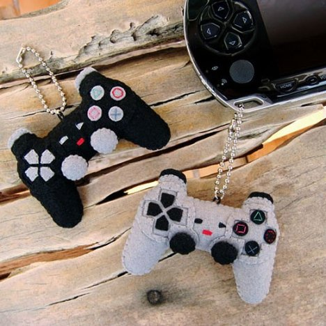 tiny_playstation_controllers